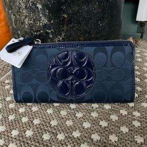 Coach zip around wallet NWT